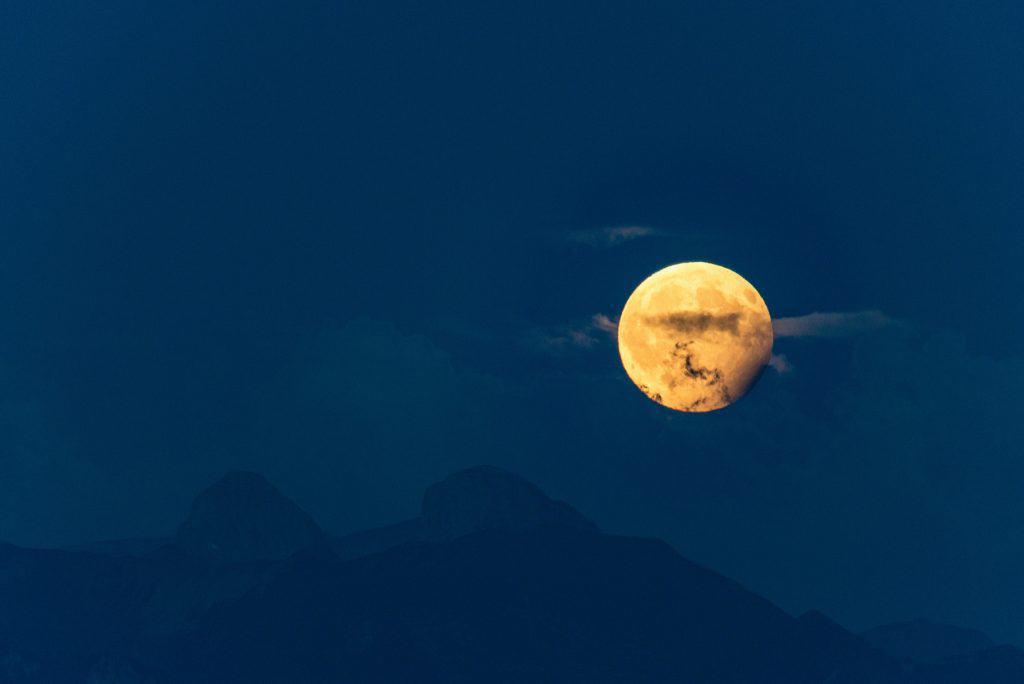 Ay Tutulması Fotoğrafı - 2