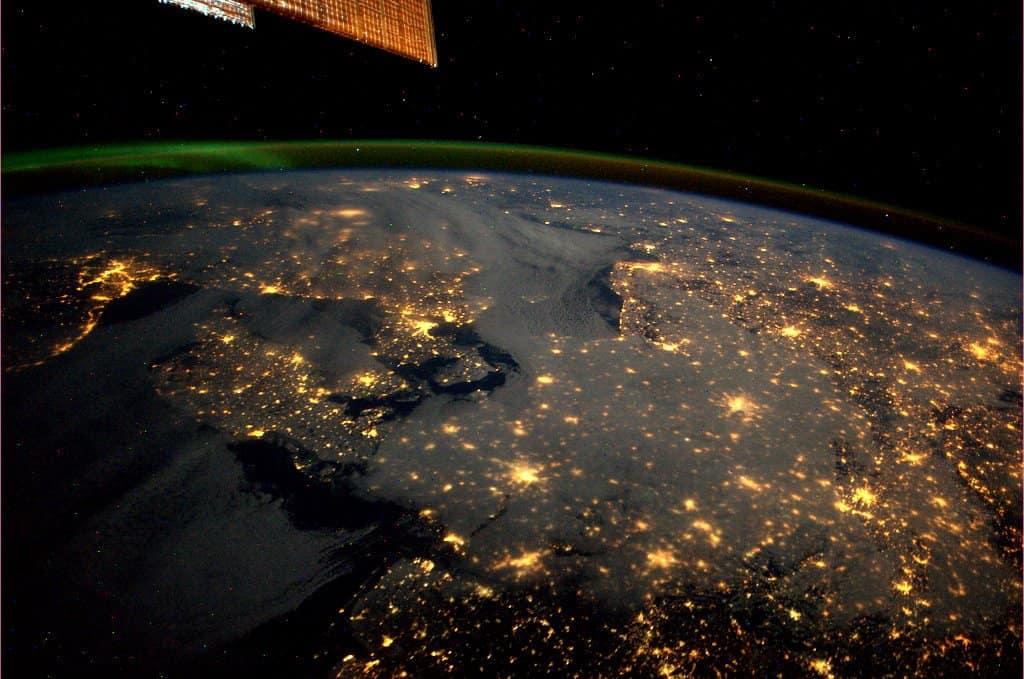 İskandinavya'nın Gece Uzaydan Görünüşü