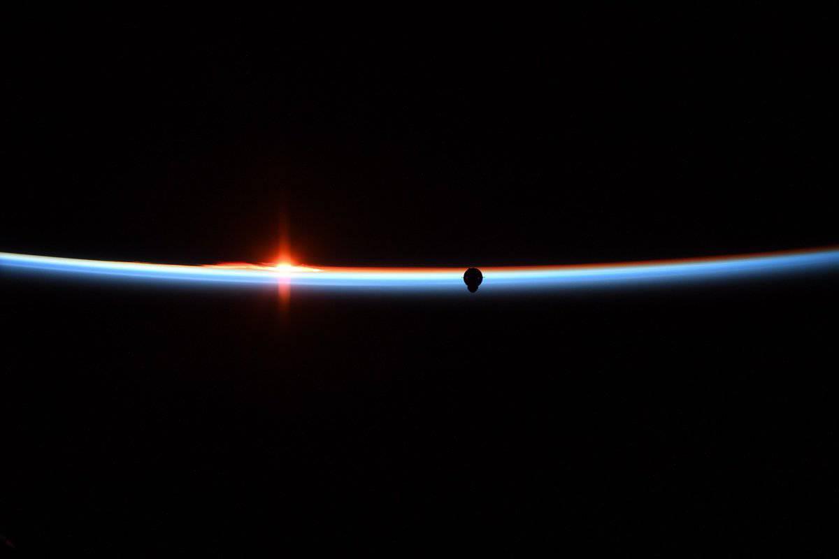 Crew Dragon, ISS'ye Yaklaşıyor