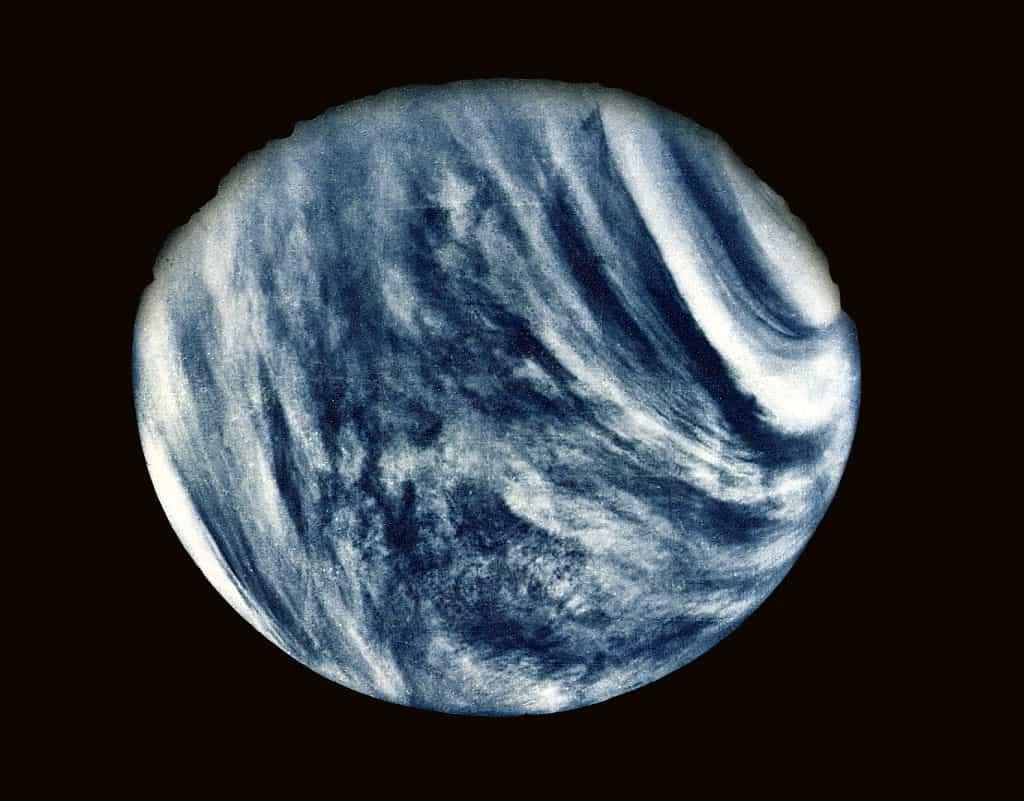 Mariner 10 tarafından çekilen Venüs'ün ultraviyole görüntüsü